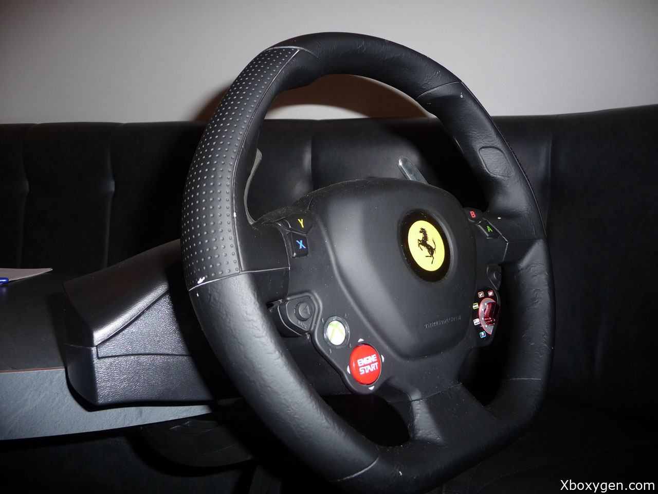 annonce du volant xbox 360 thrustmaster ferrari xbox one xboxygen. Black Bedroom Furniture Sets. Home Design Ideas